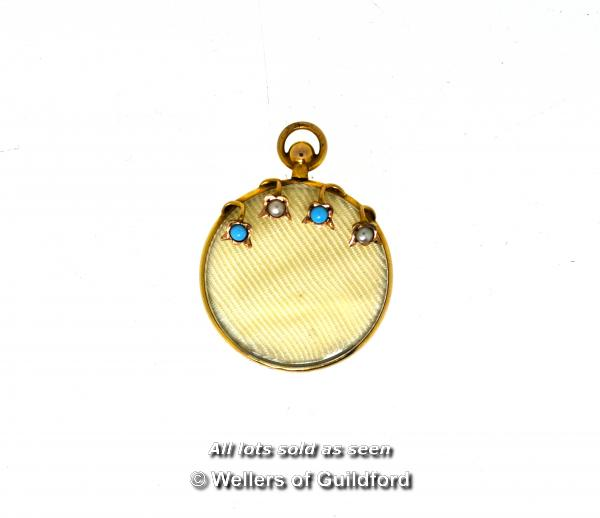 Lot 7047 - *Antique mourning pendant locket with a 9ct yellow gold border, gross weight 4.8 grams (Lot