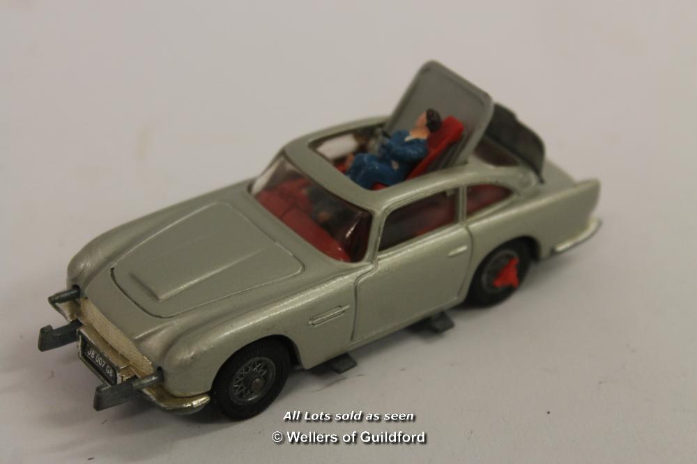 Lot 7612 - *Corgi James Bond Aston Martin Db5 270 Silver With Rotating Number Plates- And Both Figures (Lot