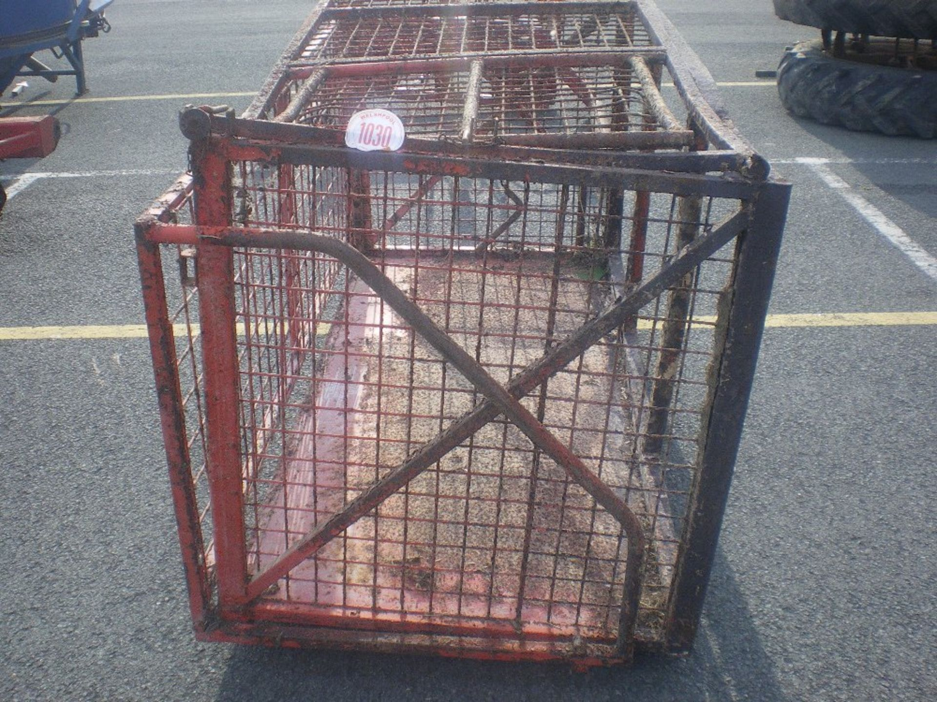 Lot 1030 - MESH LINK BOX TO FIT TRACTOR HYDRAULIC ARMS - FAIR CONDITON
