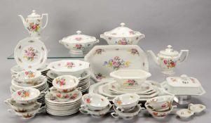 Rosenthal, umfangreiches Speiseservice, Modell 'Maria Weiß', Dekor 'Blumenbouquet', umfassend: 2x
