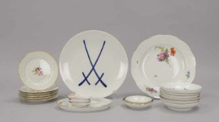 Porzellan-Konvolut, I. Wahl, 20 Teile: 6x Teller/Schalen, Meissen 'Marcolini', und 5x weitere