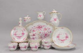 Meissen, Kaffeeservice, 2-gestrichen, Dekor 'Indische Blume', für 7 Personen, umfassend: 1 Kanne und
