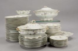 Rosenthal, Speiseservice, alt, Dekor 'Versailles', umfassend: 15x Speiseteller, 12x Suppenteller, 8x