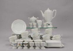 Rosenthal, Kaffeeservice, Form 'Maria Weiß', umfassend: 1 Kanne auf Stövchen, 18x Tassen mit 17x