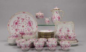 Meissen, Kaffeeservice, Form 'Neuer Ausschnitt', Dekor 'Indische Blume' in Purpur, für 12