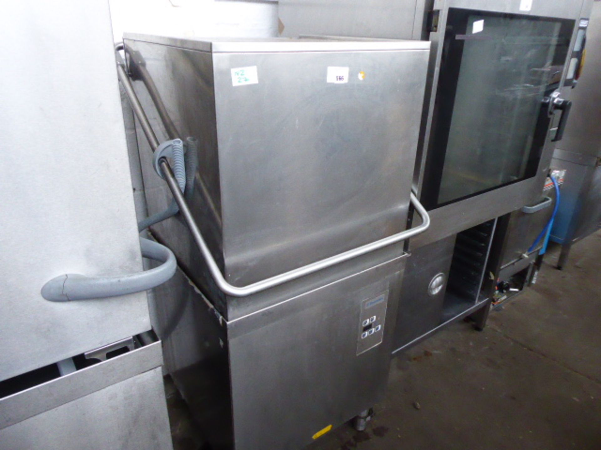 Lot 566 - 65cm Electrolux lift top pass through dishwasher
