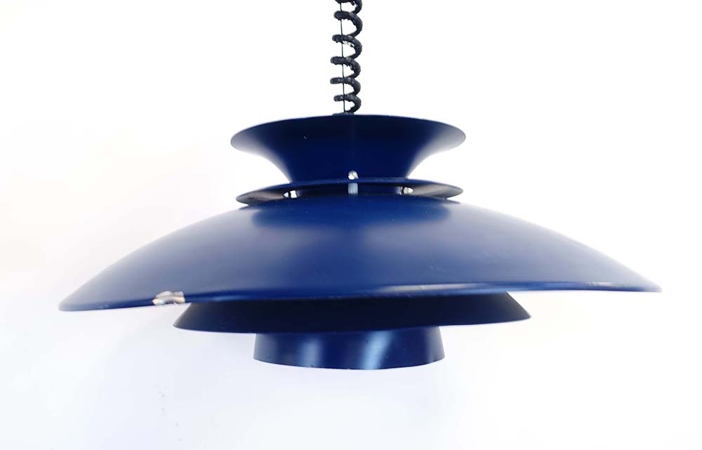 Lot 11 - A Danish blue enamelled four-tier ceiling light in the manner of Louis Poulsen CONDITION