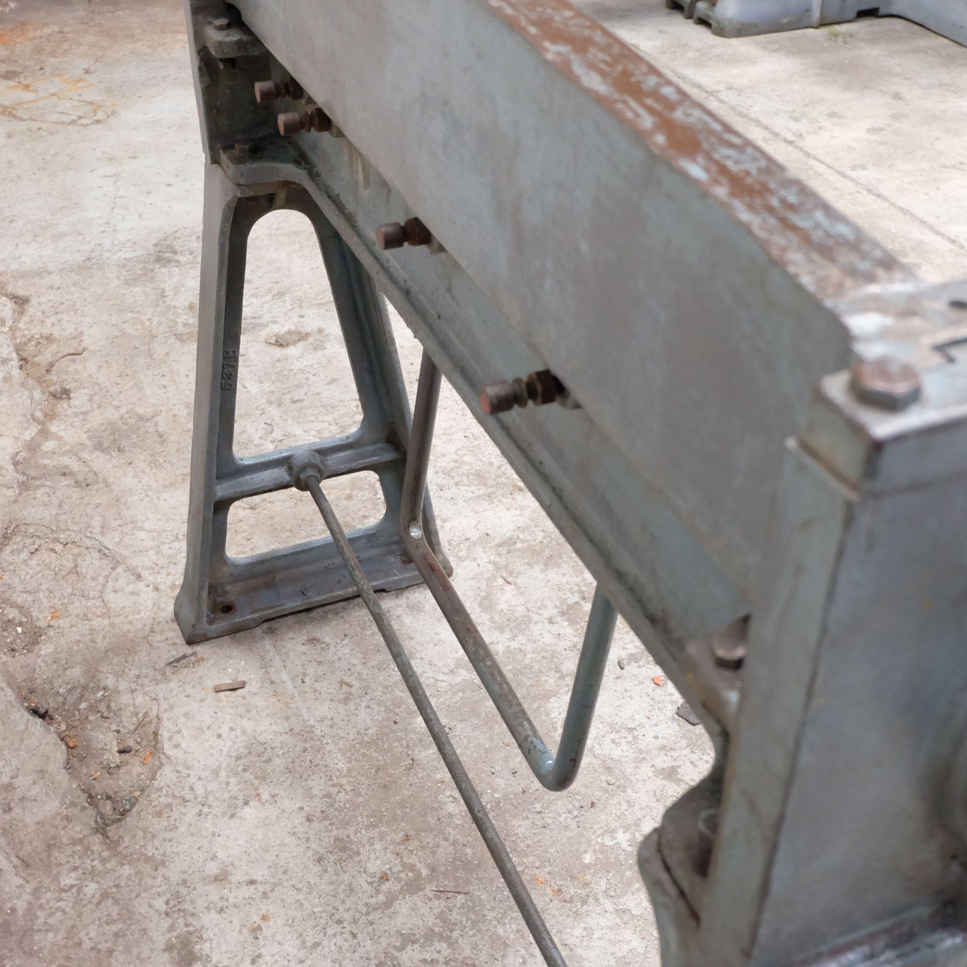 Lot 29 - An F.J EDWARDS Manual Folding Machine, Max Sheet L