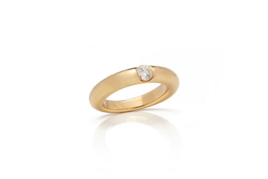 42158ad233c65 Cartier 18k Yellow Gold Solitaire 0.25ct Diamond Ellipse Ring ...