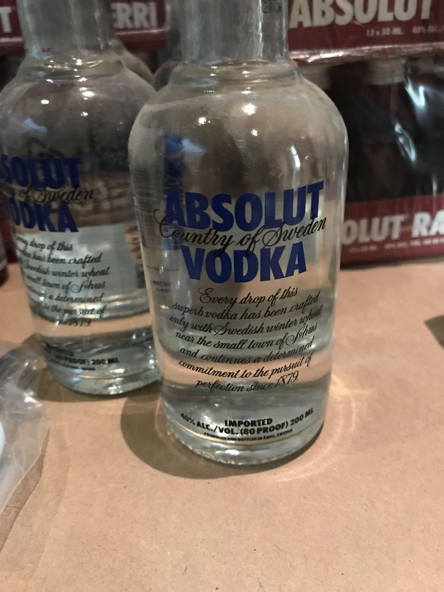 Lot 21 - 115 Bottles of Absolute Vodka 200ml and Absolute Vodka Raspberry