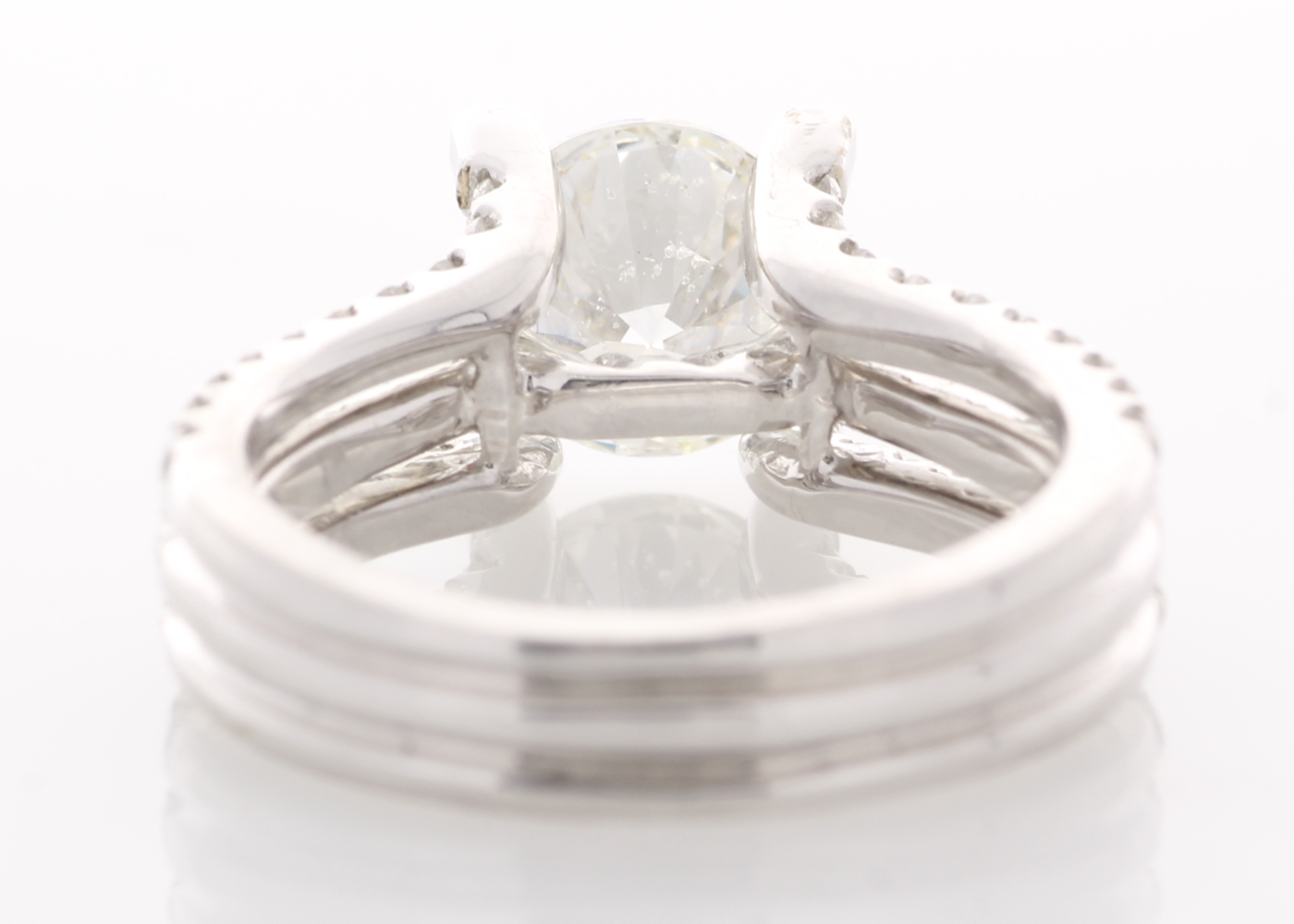 Lot 18 - 18ct White Gold Single Stone Prong Set With Stone Set Shoulders Diamond Ring 3.10