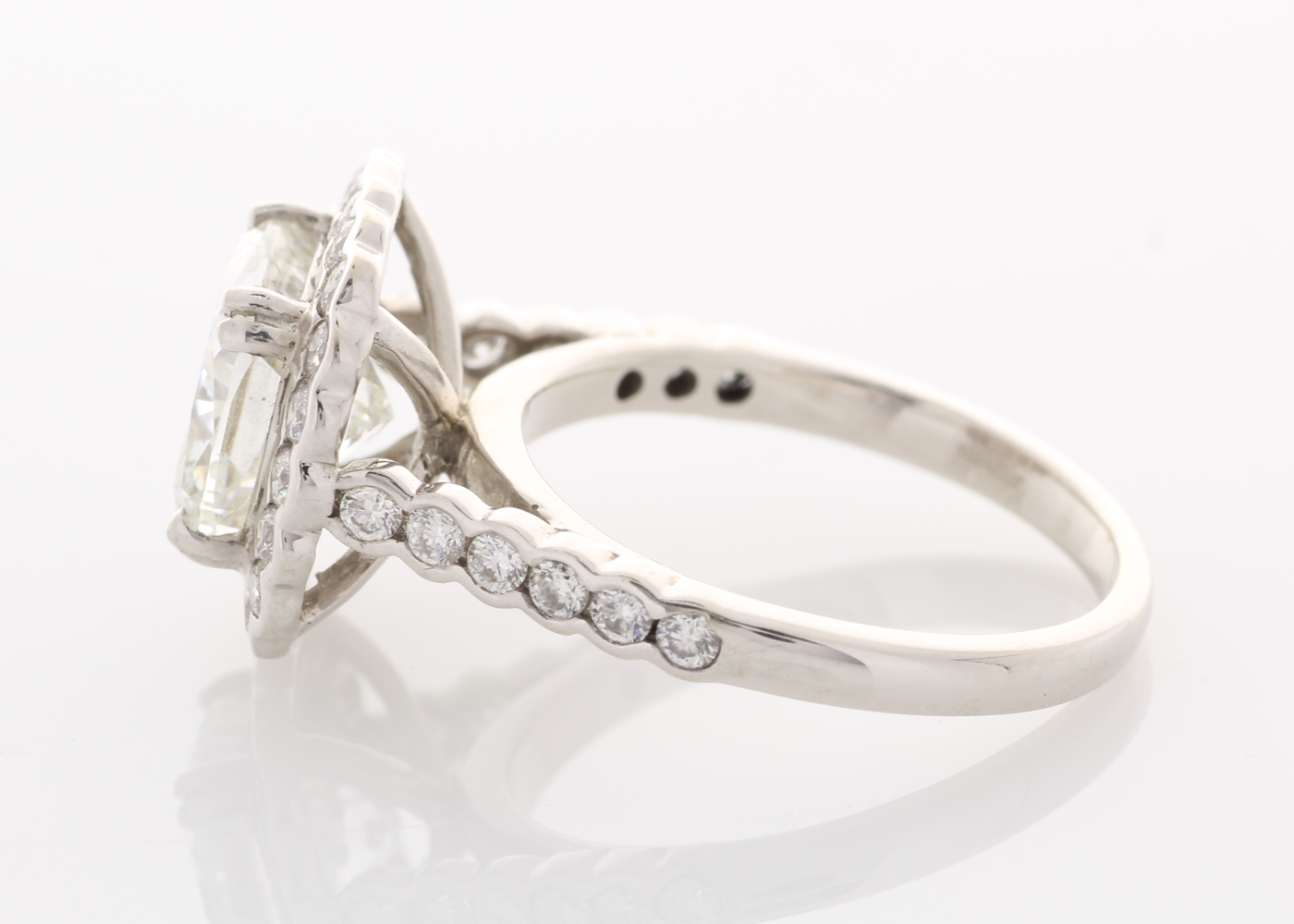 Lot 39 - 18ct White Gold Single Stone With Halo Setting Ring 3.19