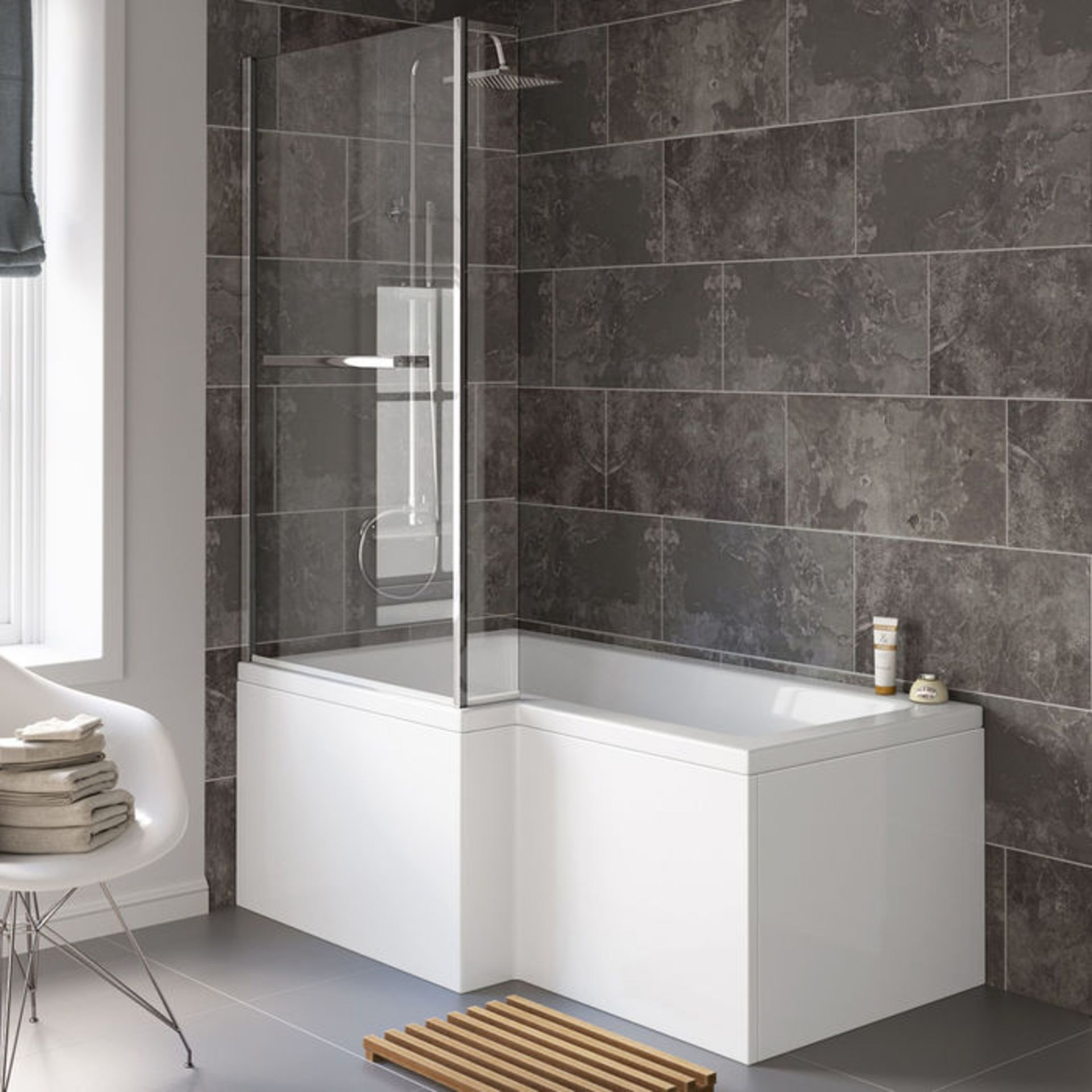 Lot 42 - (XX28) 805mm L Shape Bath Screen and Pivot Rail. RRP £199.99. 4mm Tempered Safety Glass Screen...