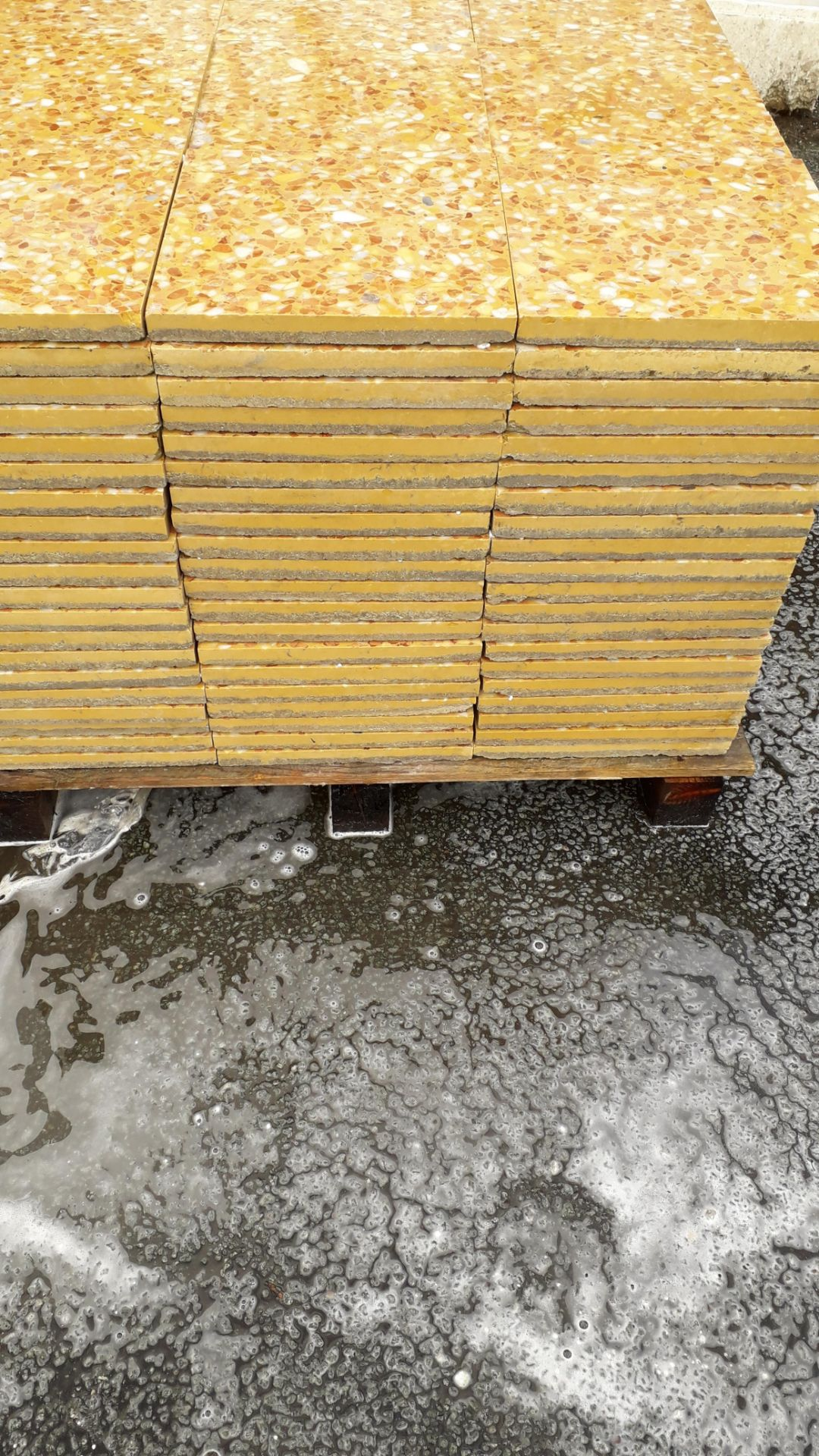 Lot 20 - 1 x pallet (L 07802) Commercial Floor Tiles - Total coverage 20 square yards