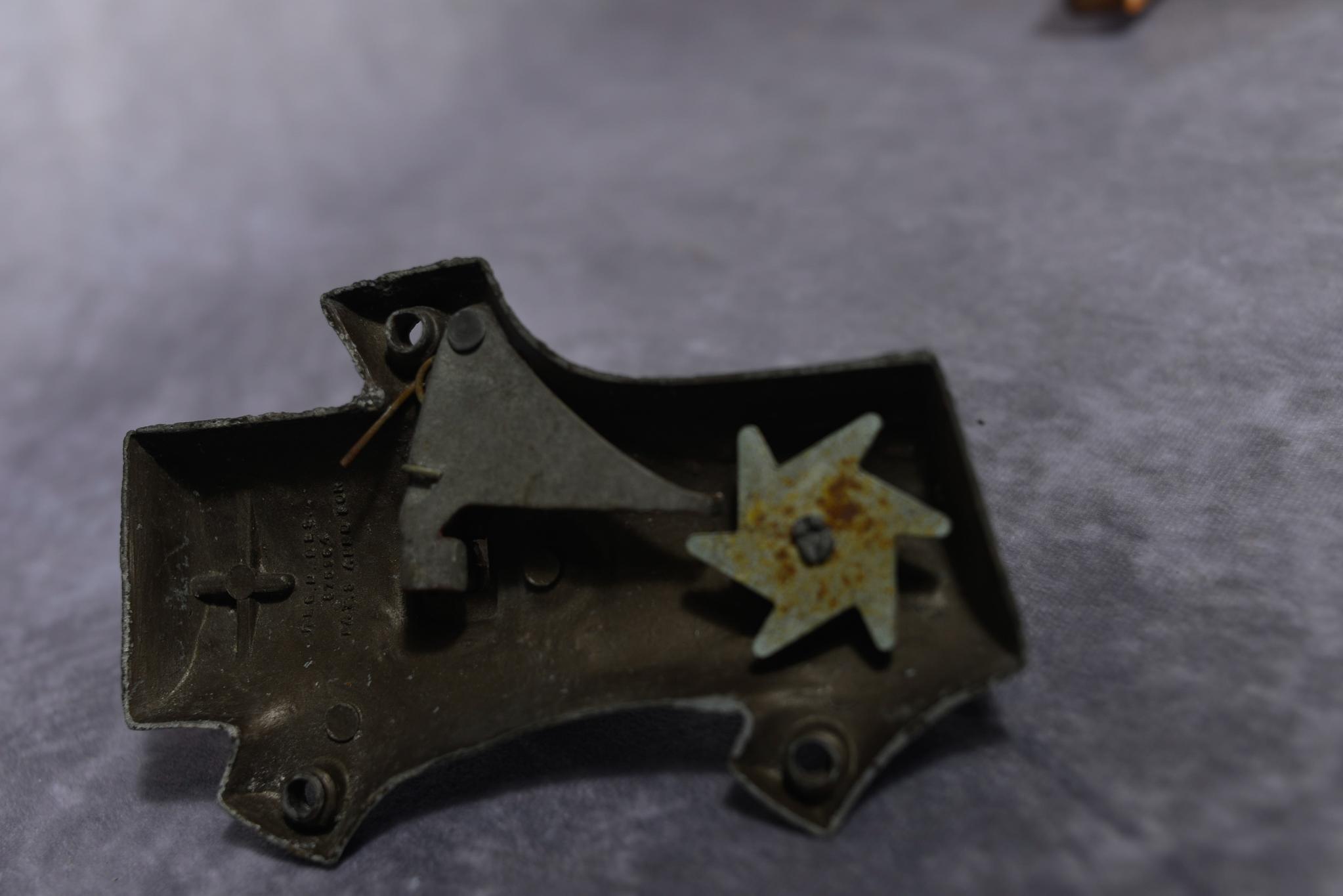 Lot 41 - Vintage cast-iron Woodpecker door knocker