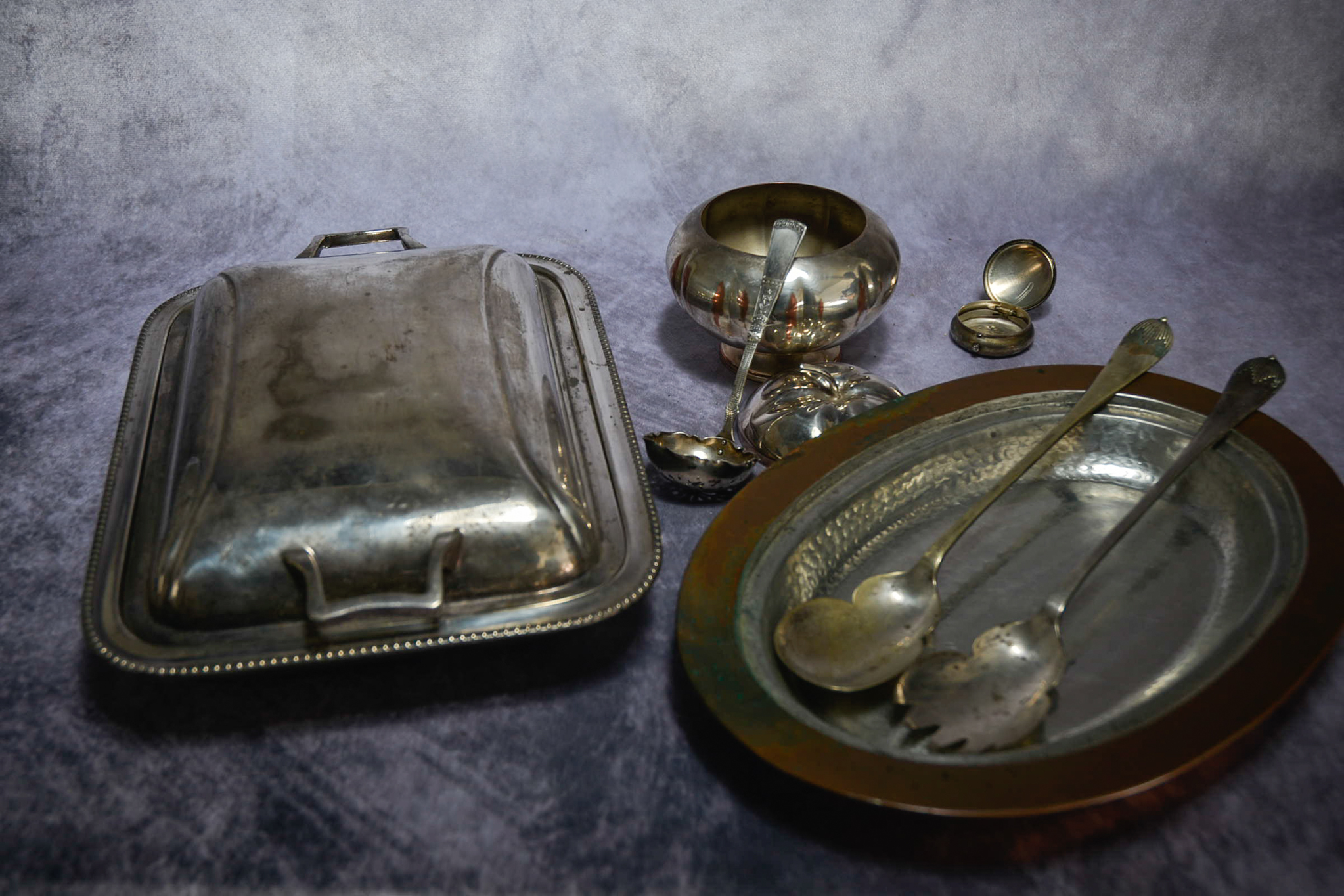 Lot 49 - Mixed lot of silver plate items