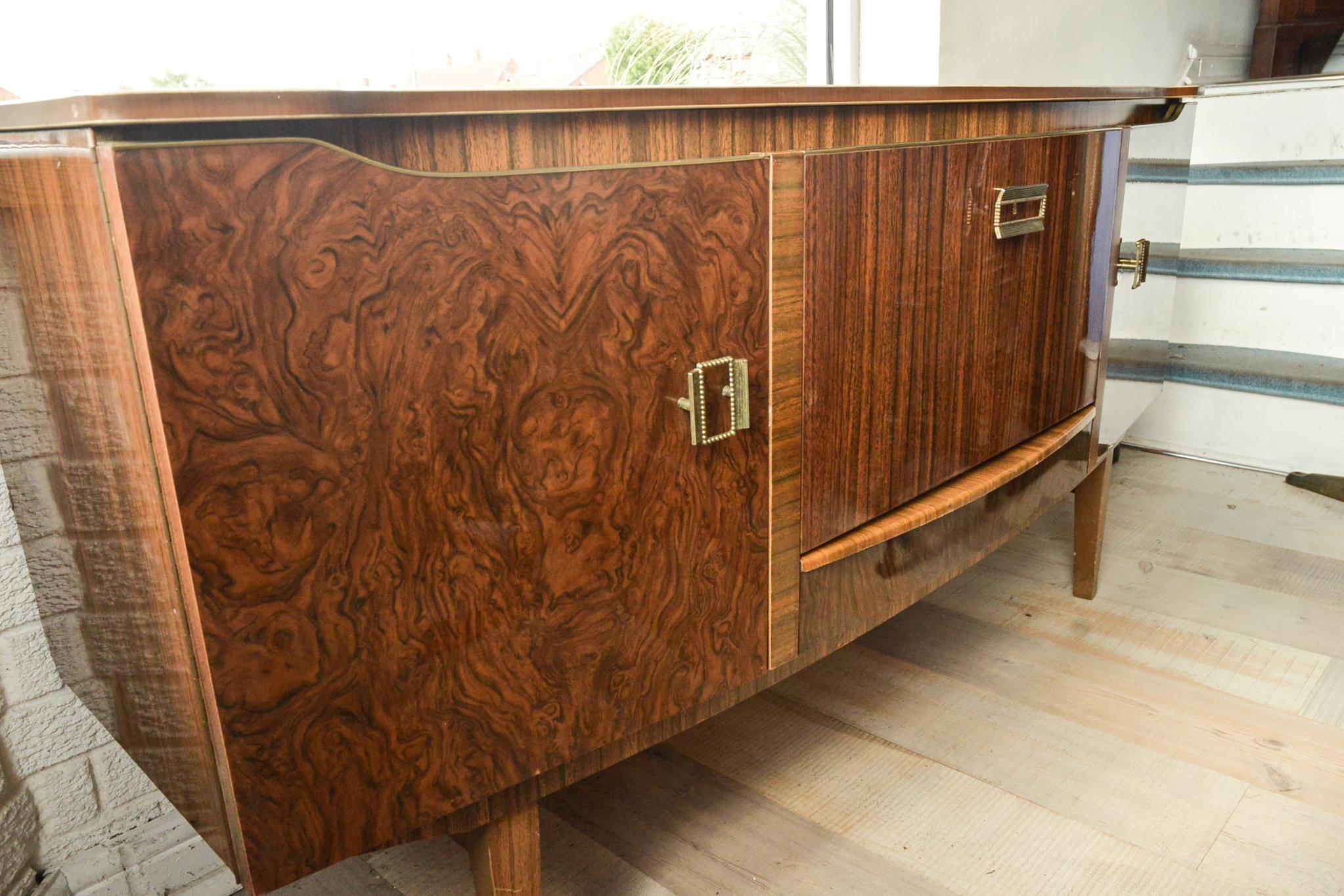 Lot 9 - Stylish Retro 1960'S Faux Walnut/Oak Sideboard Cocktail Cabinet.