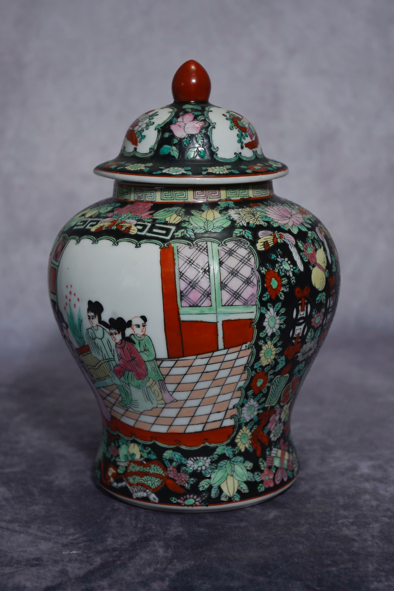 Lot 51 - Japanese Satsuma vase with lid