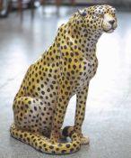 Große Tierplastik, sitzender Gepard, wohl 70er Jahre, Keramik, naturalistisch gefasst,Herkunft