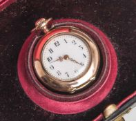 Damenanhängeuhr, Rotgold 585, weißes Zifferblatt mit arabischer Minuterie in Schwarz,goldene
