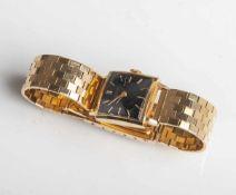 Damenarmbanduhr, International Watch Co., IWC Schaffhausen, Gelbgold 750, quadratischesUhrengehäuse,