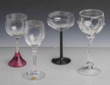 Konvolut von 4 Gläsern: Weinglas, Theresienthal, farbloses Glas, konischer gerippterBalusterschaft