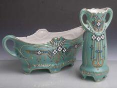 Vase u. Jardinière (Ende 19./Anfang 20. Jahrhundert, Jugendstil), Keramik, türkiser Fondmit