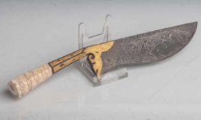 Ritualmesser/Dolch (Indonesien, 1. Hälfte 20. Jahrhundert), Damastklinge, Griff dekorativvergoldet