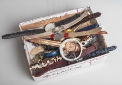 Großer Posten Armbanduhren, Damen, 20 Stück, verschiedene Hersteller, Materialien undAusführungen.