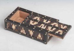 Deckeldose, um 1900, rechteckiger Korpus, allseitig mit Stachelschweinborsten verkleidetund mit