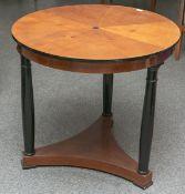 Biedermeier-Sofatisch (um 1900), Kirschholz, runde Platte Stern-furniert, Fußgestell auf