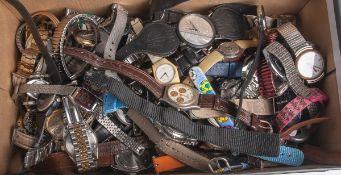 Großes Konvolut von diversen Herrenarmbanduhren/Damenarmbanduhren, insgesamt 88 Stück.Altersgem.