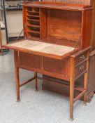 Damensekretär aus Mahagony (wohl um 1900/10), ungewöhnliches Möbel der Zeit, vermutlichnach einem