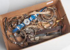 Großes Konvolut von diversen Damenuhren, insgesamt 29 Stück. Altersgem. Zustand.- - -21.00 % buyer's