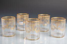 5 Gläser in zylindrischer Form mit 20 Facetten u. feiner Goldmalerei (Biedermeierzeit),Dm. je ca.