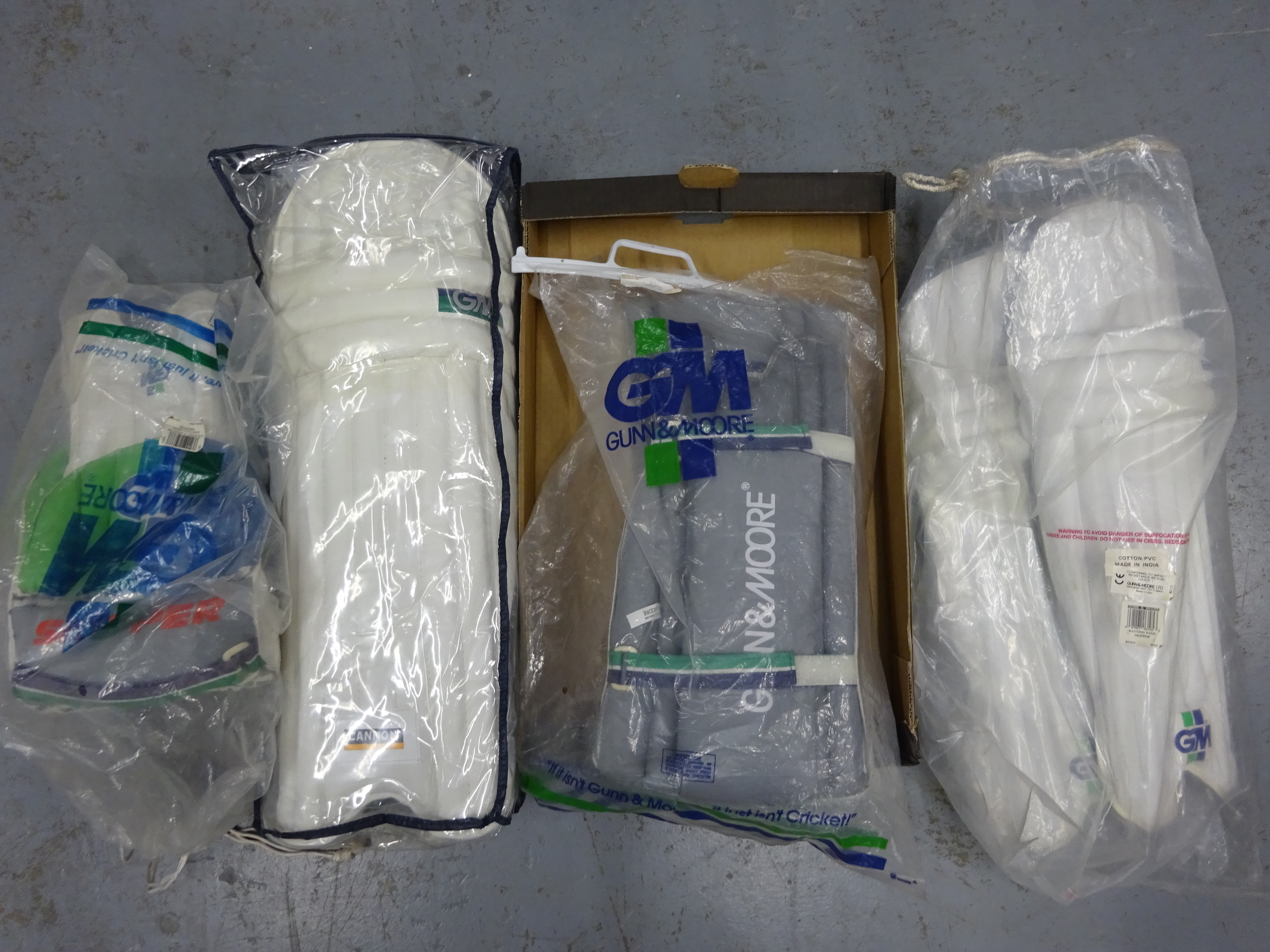 Lot 345 - 4 pairs of cricket pads, various sizes