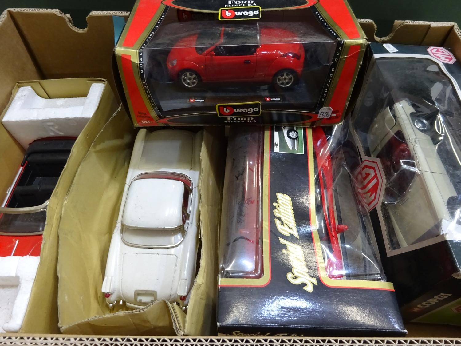 Lot 190 - 1:18 Scale cars(5 Items, box 136)
