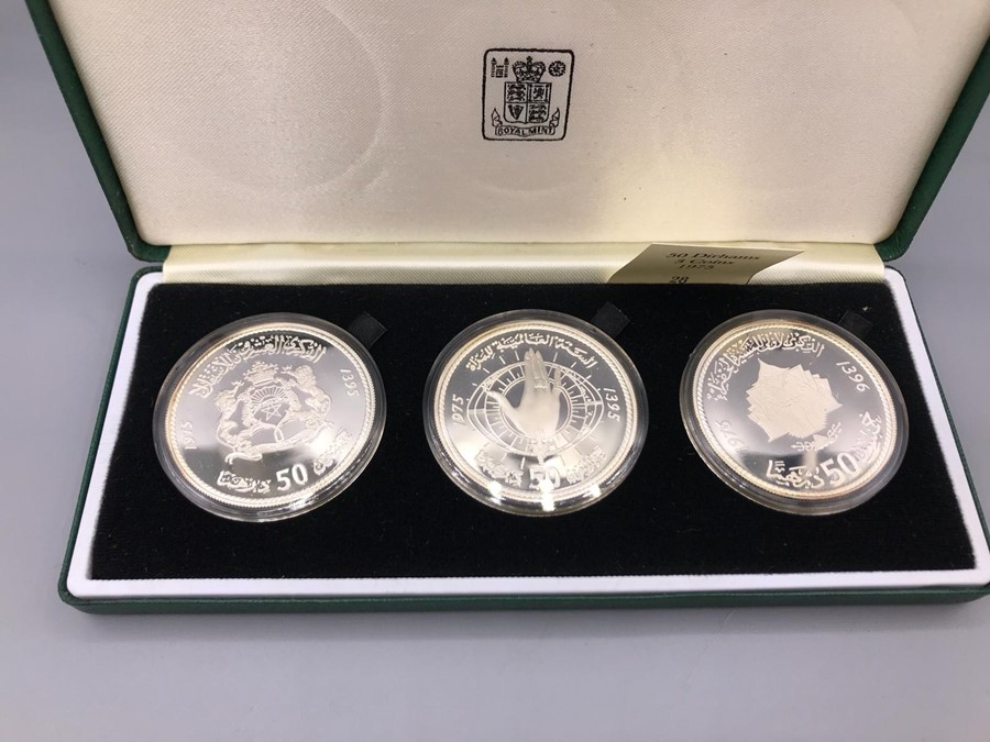Lot 51 - 50 Dirhams Three Coin Silver Proof Set 1975 Original Box (Royal Mint)
