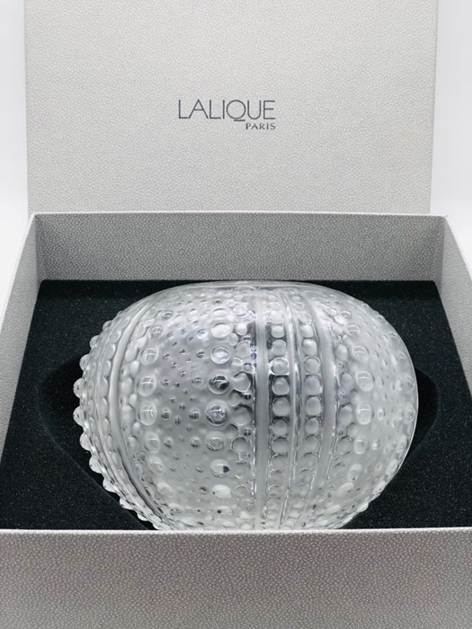 Lot 138 - A Lalique Sea Urchin or 'Oursin' Vase in original box