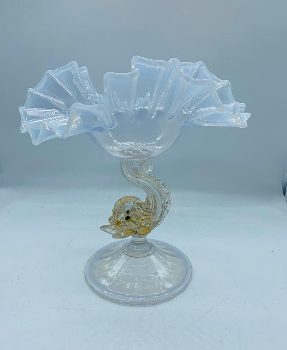 Lot 150 - Salviati Murano Opalescent and Gold foil included centre piece, early 20th Century H 22cms