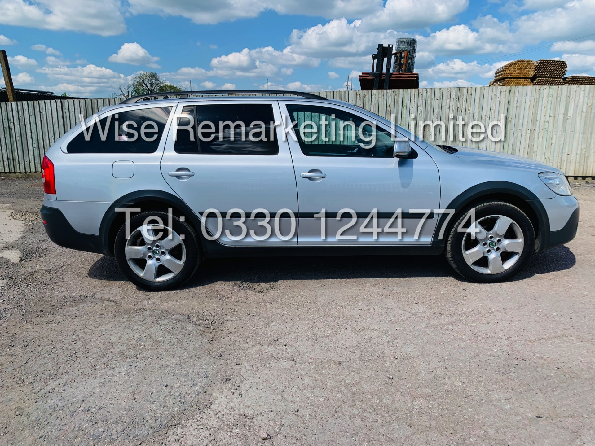 Lot 12a - **RESERVE MET** SKODA OCTAVIA (SCOUT) 2.0tdi DSG AUTOMATIC ESTATE / 2013 / 1 OWNER WITH FULL HISTORY