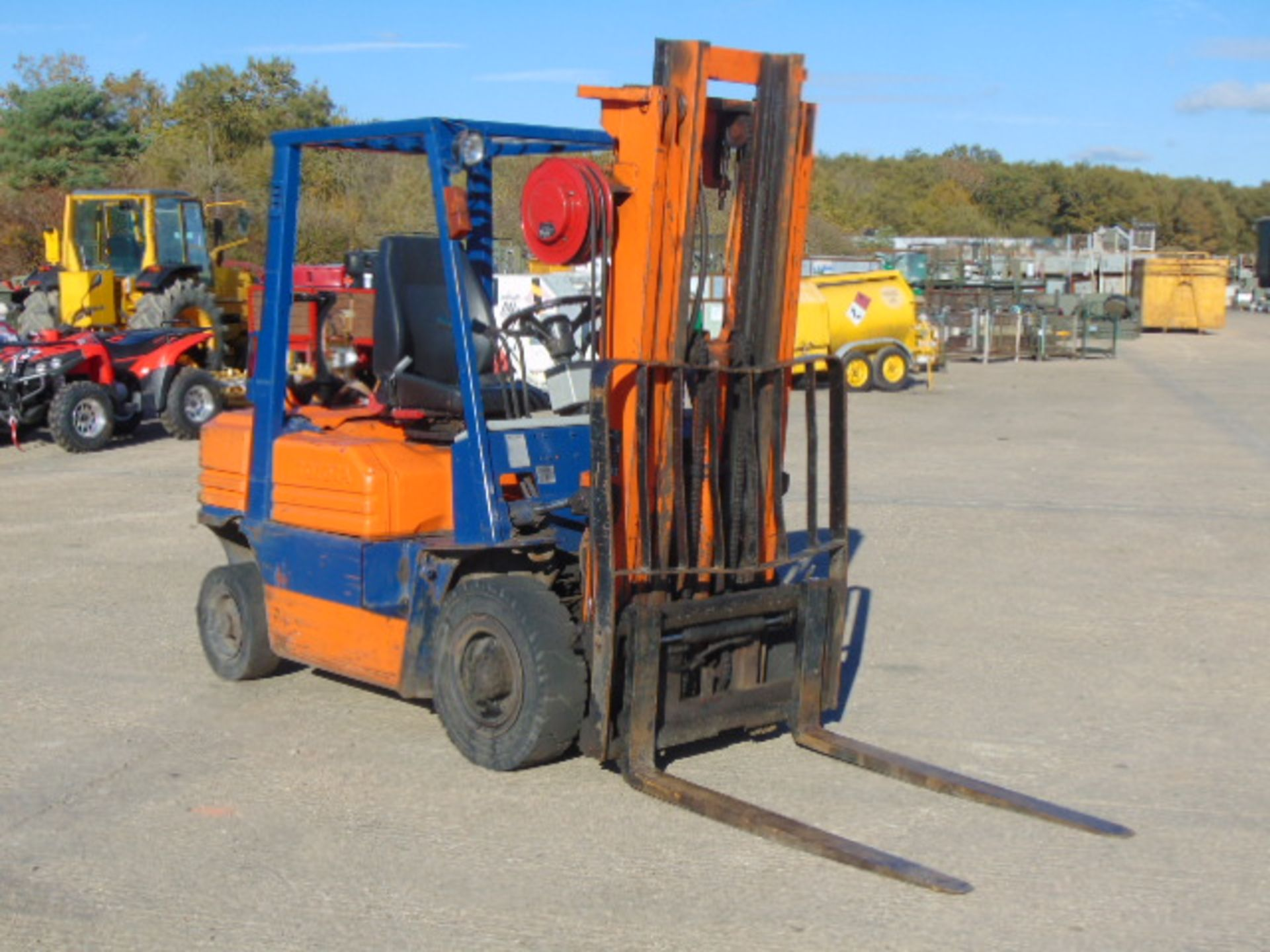 Lot 6 - Toyota 42 5FGF25 LPG Gas Triple Mast Forklift