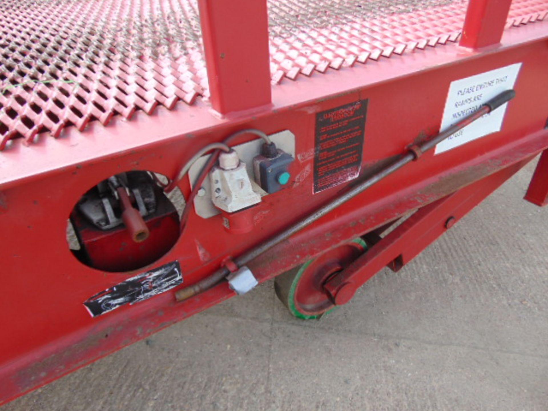 Lot 11 - 2012 Thorworld 10 Tonne Electric / Hydraulic Mobile Loading Ramp