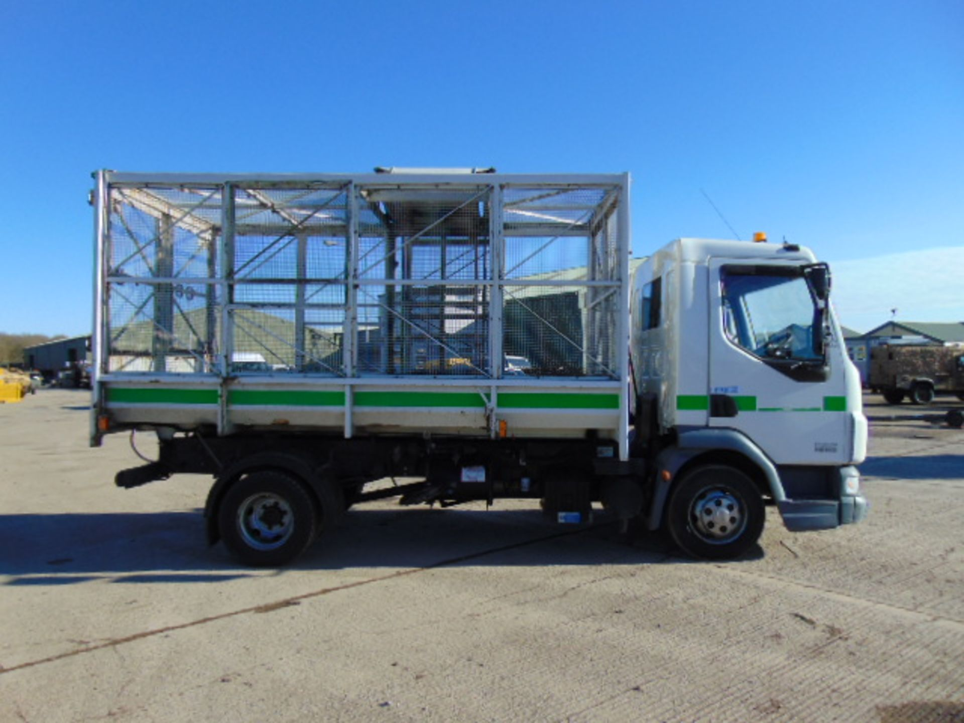 Lot 34 - 2008 DAF LF 45.140 C/W Refuse Cage, Rear Tipping Body and Side Bin Lift