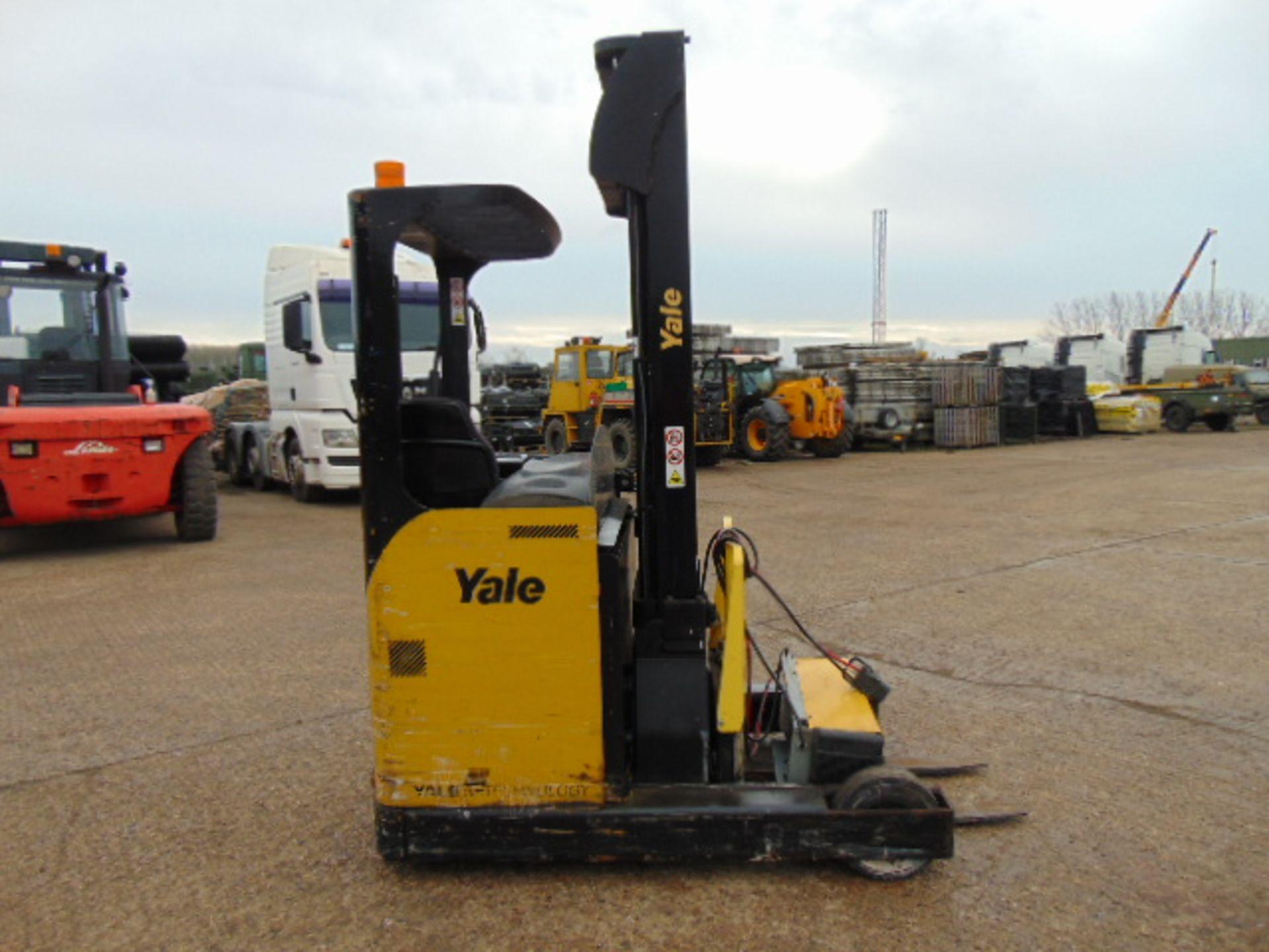 Lot 4 - Yale MR16 Electric Reach Fork Lift Truck