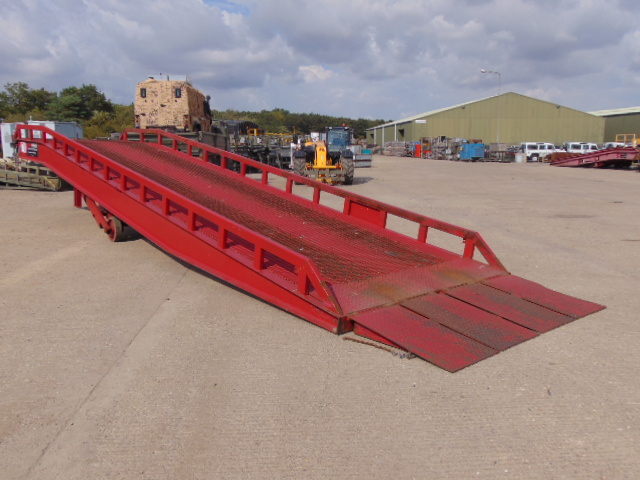 Lot 11 - 2012 Thorworld 10 Tonne Electric / Hydraulic Mobile Loading Ramp
