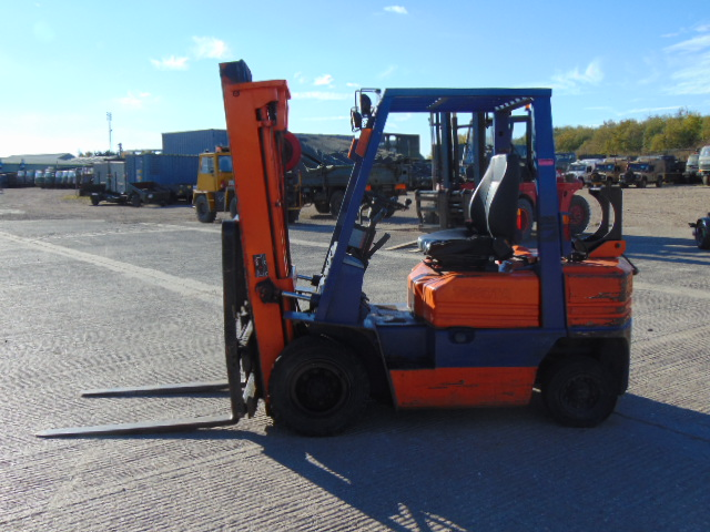 Lot 6 - Toyota 42 5FGF25 LPG Gas Triple Mast Forklift