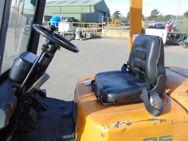 Lot 19 - TCM VFHM 540-34A Counter Balance Diesel Forklift