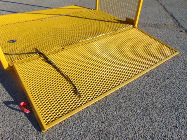 Lot 29 - Drop Side Cage Pallet / Stillage