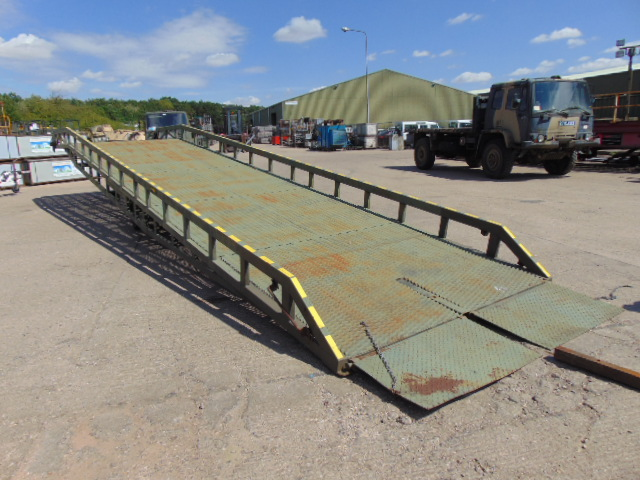Lot 35 - Direct MoD Bicester 7 Tonne Hydraulic Loading Ramp